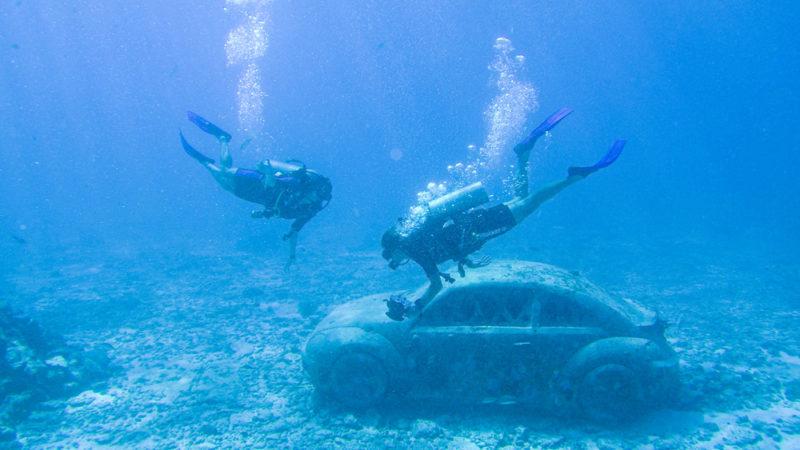 O Musa Cancun reúne centenas de estátuas. É um museu subaquático impressionante
