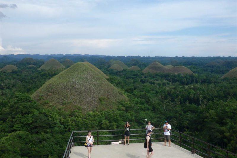 Fevereiro onde ir: Montanhas de Chocolate na ilha de Bohol, nas Filipinas.