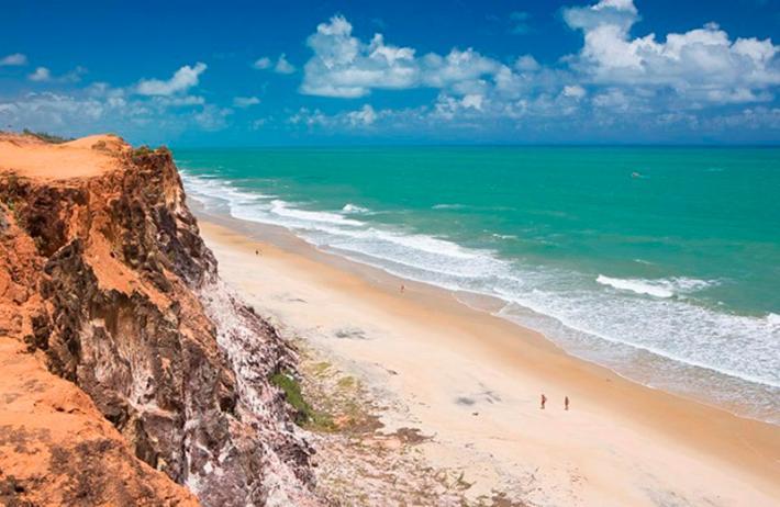 Fevereiro onde ir no Brasil: Falésias da Praia da Pipa.