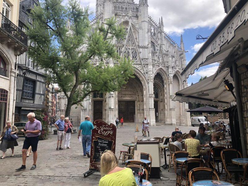 A Cathedral Notre-Dame de Rouen, lindíssima! Olha que delícia de cidade!