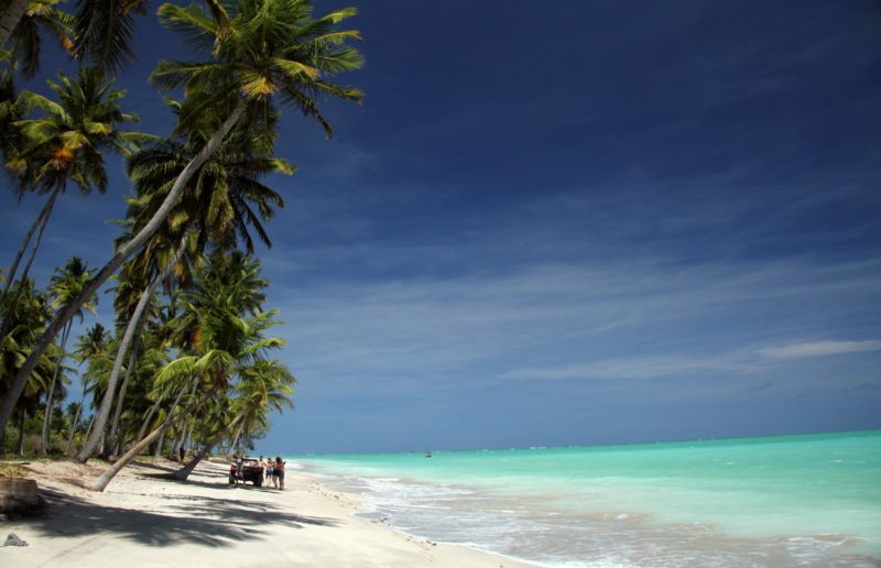 O que fazer em Maragogi no feriado: conhecer a praia do Antunes.