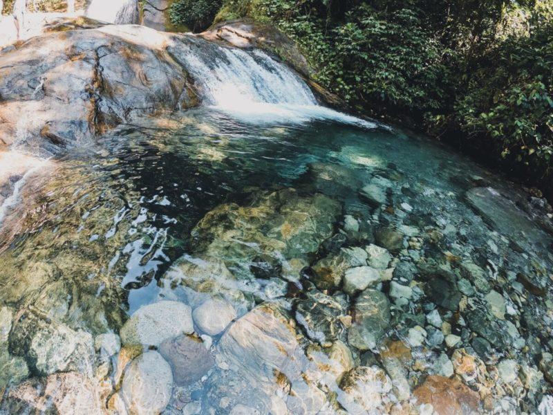 Carnaval sossegado: cachoeiras cristalinas de Visconde de Mauá.