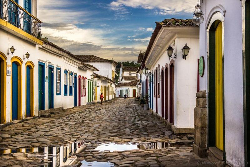 Feriados para viajar em 2020: ruas coloridas e coloniais em Paraty.