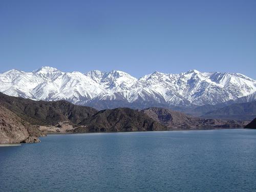 para onde viajar nos feriados 2020: Mendoza, e o lindo Lago Poterrilos