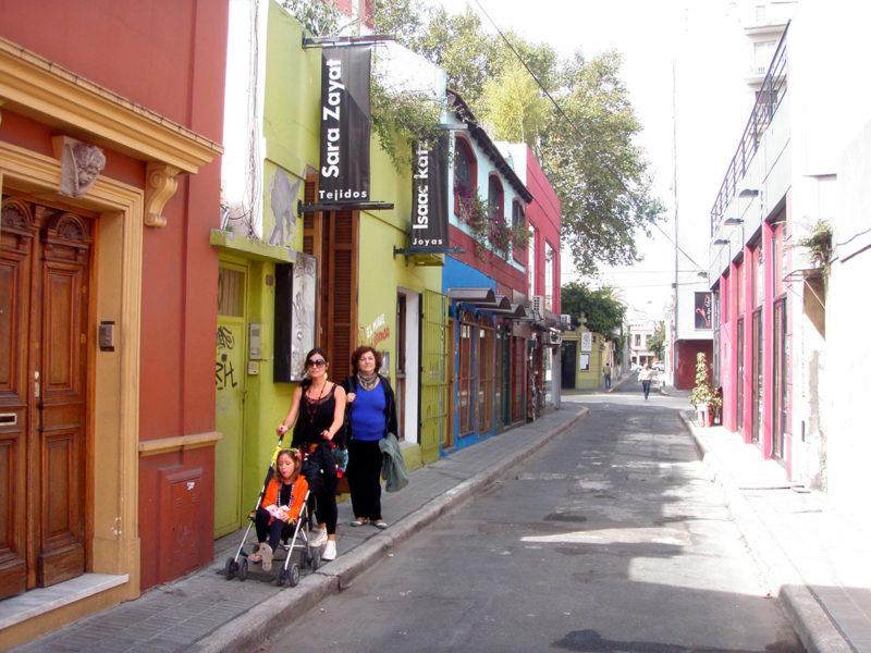 Passeio em famílias pelas ruas charmosas de Palermo Soho, em Buenos Aires.