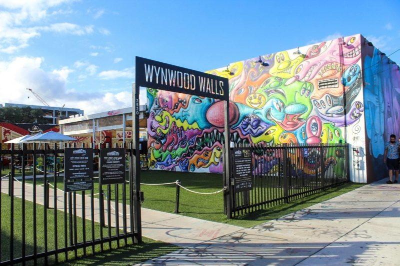 Cidades para visitar na Flórida: entrada para o Wynwood Walls, em Miami.