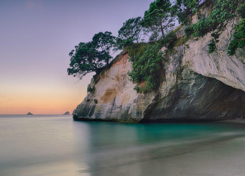O que fazer na Nova Zelândia: vista de fora da Cathedral Cove.