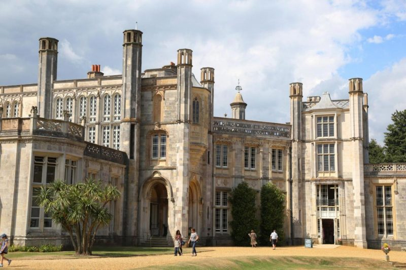 Séries britânicas: Highcliffe Castle, da série Mr Selfridge.
