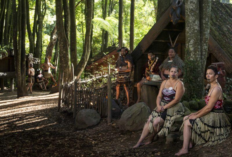 Lugares para conhecer na Nova Zelândia: Tamaki Maori, experiência da cultura local.