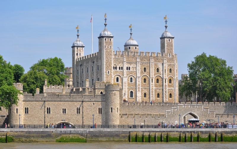 Séries britânicas: Torre de Londres que aparece em The Tudors.