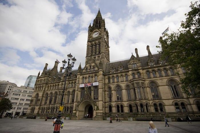 Séries gravadas na Inglaterra: Câmara Municipal da cidade de Manchester.