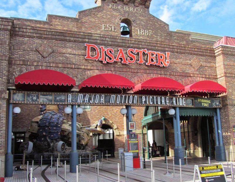 Atrações antigas de Orlando: Disaster, da Universal Studios.