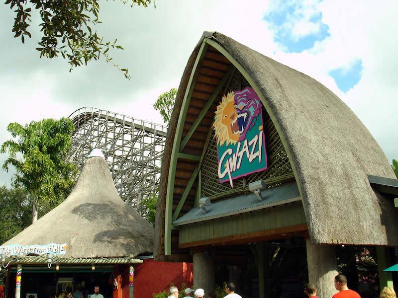 Atrações em Orlando que foram substituídas: montanha russa Gwazi, toda de madeira.