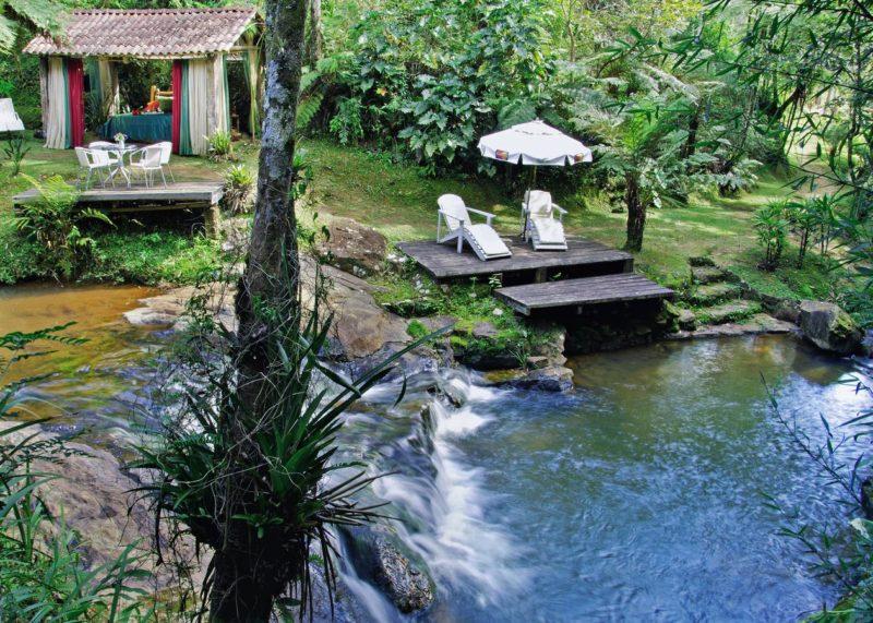E uma das cachoeiras da propriedade