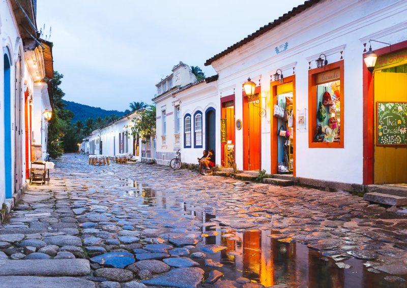 Reabertura do turismo no Brasil: Paraty aberta mas com barreira sanitária no acesso da cidade.