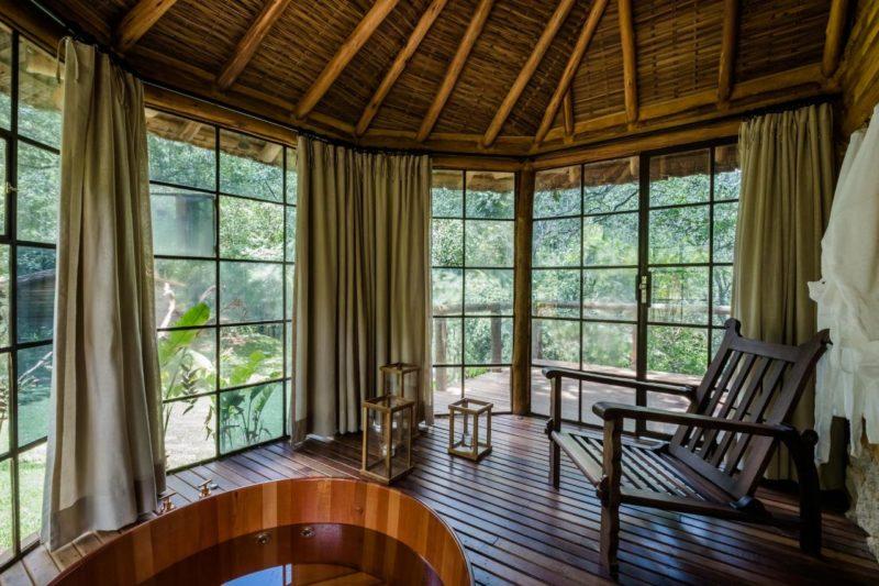 Hoteis em Itaipava: Ofurô no quarto e vista para o verde no Tankamana