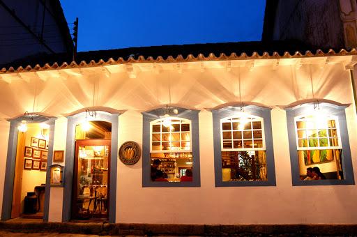 Volta do turismo no Brasil: os restaurantes de Paraty podem funcionar até as 22h e com 50% da capacidade.