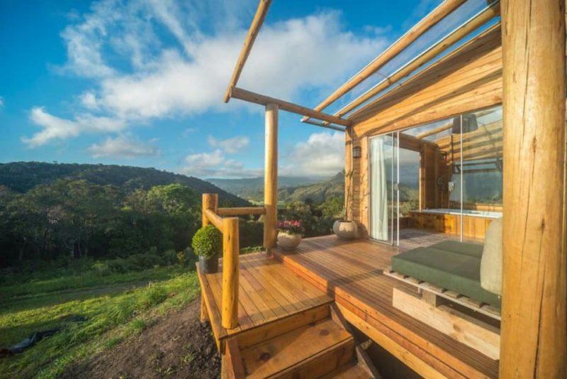Casas românticas Airbnb: deck charmoso do Chalé Rubi, em Urubici.