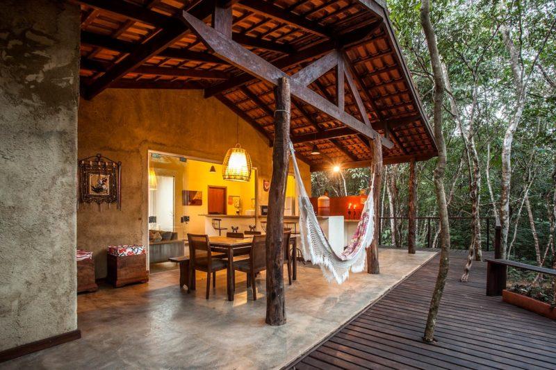 Casas lindas para alugar no Brasil: espaço aberto da Casa do Cipó, em Goiás.