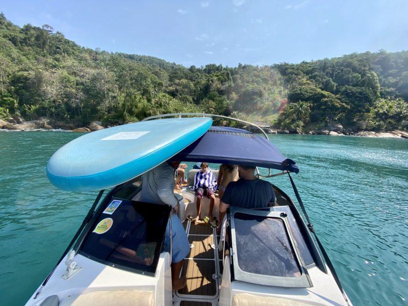 passeio de barco em Paraty: a lanchinha deliciosa do Palombeta. Passeio privativo custa a partir de R$800
