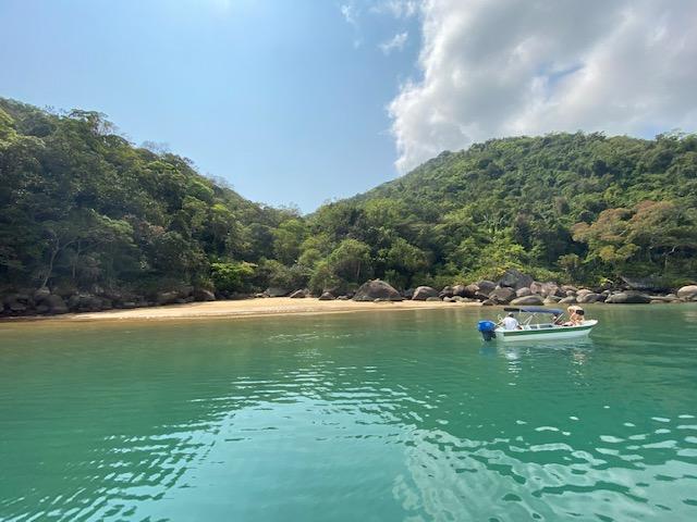 A praia da boca pequena, outra praia linda, já dentro do Saco do Mamanguá
