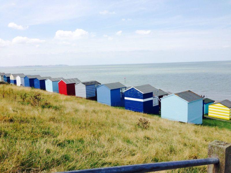 Dicas Inglaterra: As cabanas coloridas na praia de Whitstable.