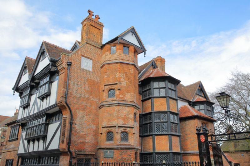 Dicas Inglaterra: o famoso Eastgate House, em Rochester.