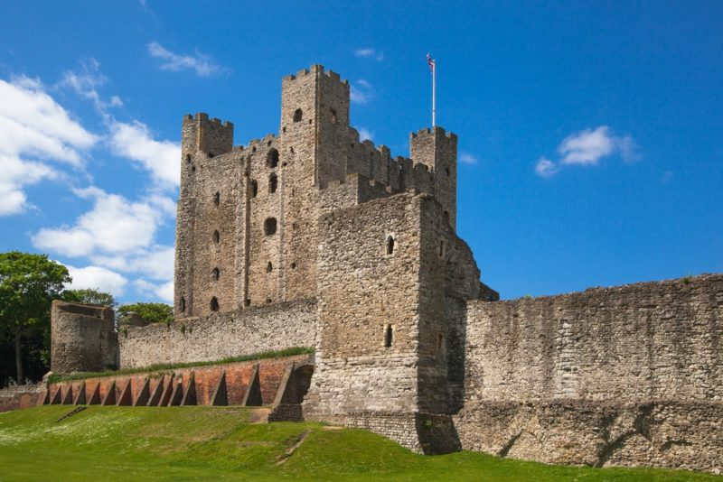 Cidades mais charmosas da Inglaterra: Castelo murado de Rochester.