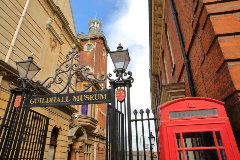 7 cidades charmosas na Inglaterra para morrer de amores: Guildhall Museum, em Rochester.