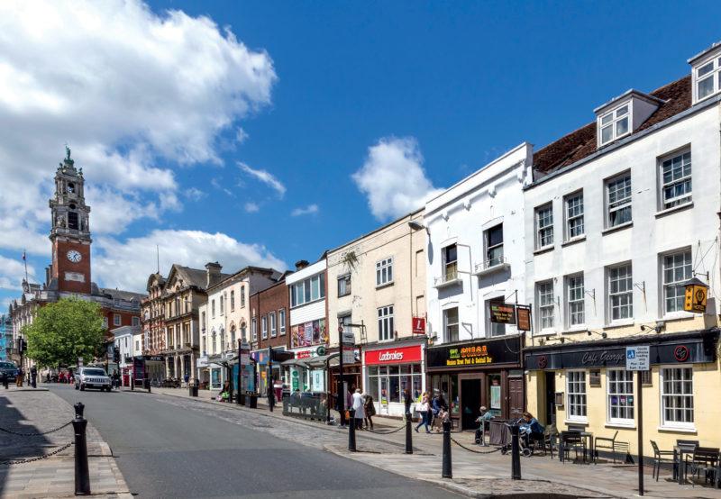 Cidades no sul da Inglaterra: centrinho charmoso de Colchester.