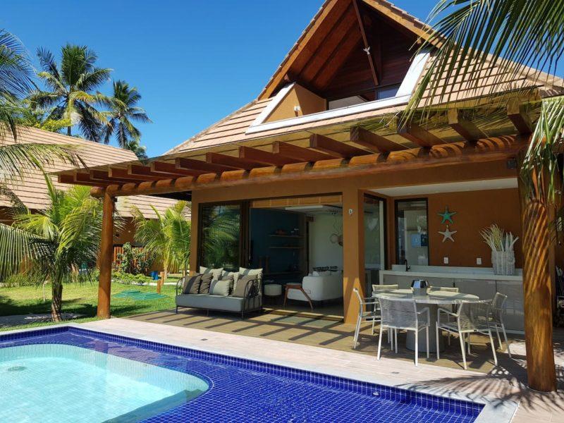 Aluguel de casa Brasil: Área externa do bangalô à beira mar, na Praia de Carneiros.