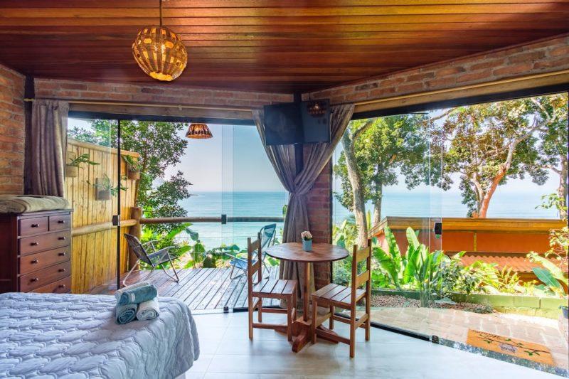 airbnb Ubatuba pé-na-areia