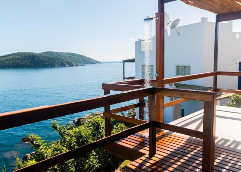 Lugares perto do Rio de Janeiro: vista do mar da Casa Atenas.