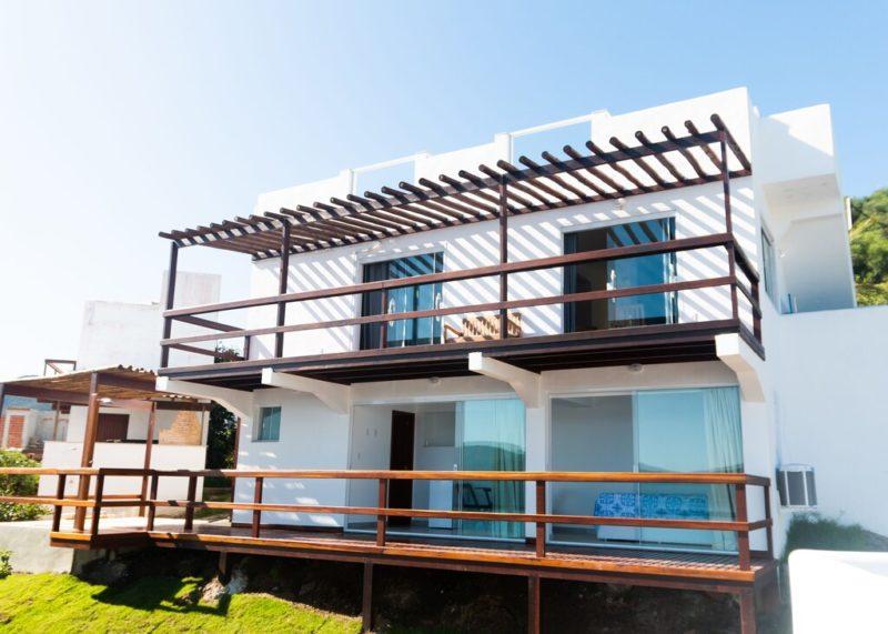 Onde se hospedar em Arraial do Cabo: Casa Atenas com estilo grego.
