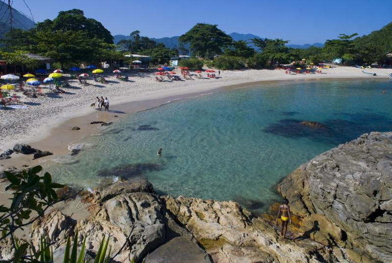 O que fazer em Trindade: o cristalino da Praia do Meio (Crédito: Paraty Tours).